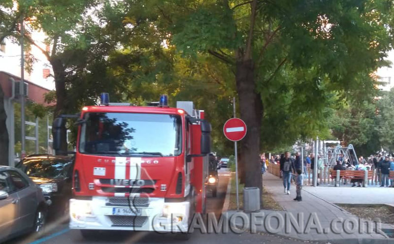 Нехаен бургазлия предизвика пожар в блок след като си подпали леглото