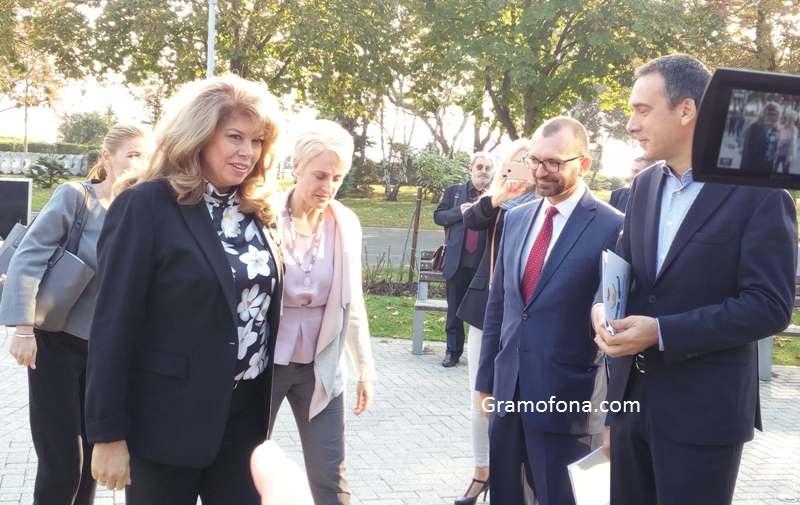 Вицепрезидентът Илияна Йотова в Бургас: Обществото вече издаде присъда на Валери Симеонов