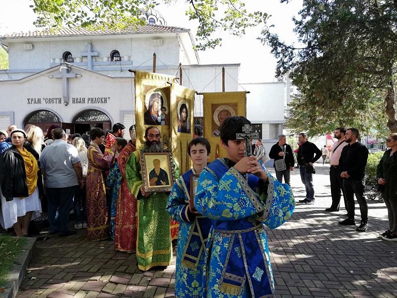 Църквата поведе шествие за закрила на българското семейство