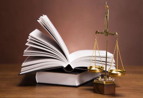 Условна присъда за митничарка, опитала да подкупи шефа на КЗП