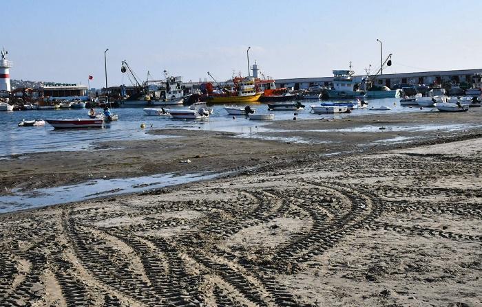 Морето се отдръпна на 25 метра от турския бряг, местни притеснени, че идва земетресение