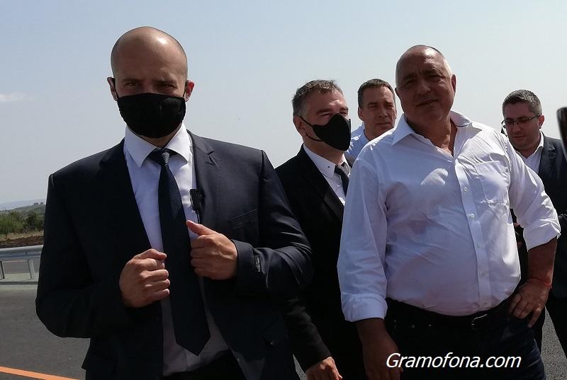 Борисов се връща от Брюксел и казва дали подава оставка