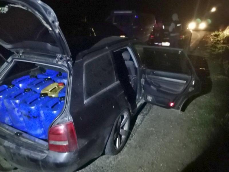 Бургаски криминалисти хванаха служители на БДЖ, откраднали тонове гориво
