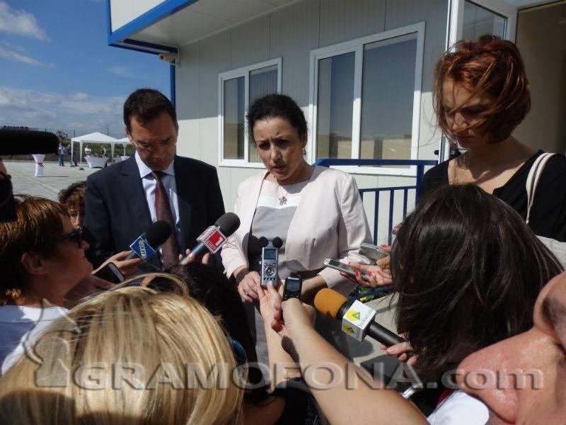 Десислава Танева обеща кадрови промени, но след като кризата с чумата отшуми