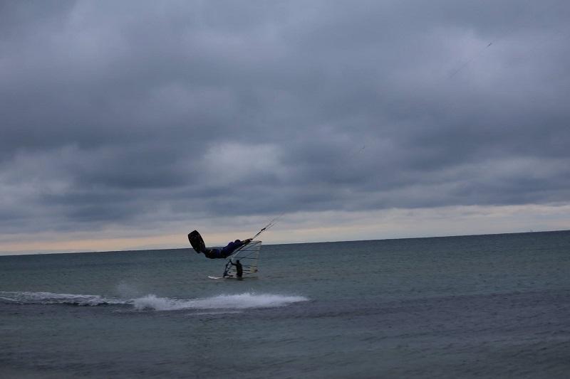 Кайтсърфингът – изкуството да гониш вятъра на мечтите си