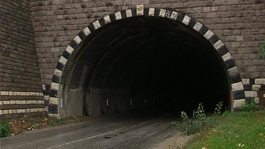 Три дни ограничават движението през тунела на пътя Провадия-Айтос