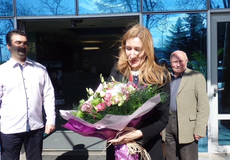 Ангелкова доволна: Вече и туристи от средния клас избират България