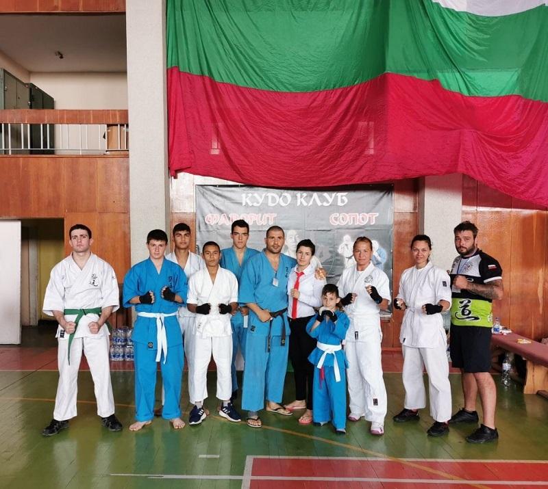 Поморийци завоюваха 8 златни и 3 сребърни медала от шампионата по кудо