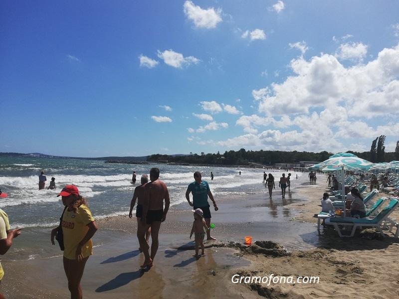 Наематели на плажове: Когато в прогнозата кажат