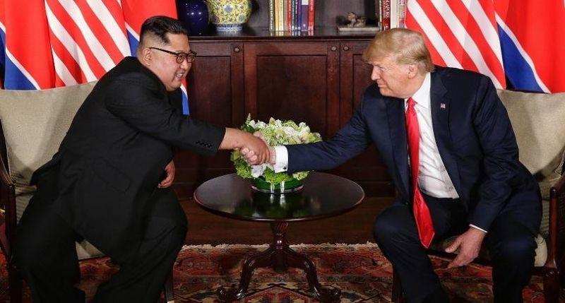 Тръмп и Ким Чен Ун - 48 минути на 4 очи в Сингапур