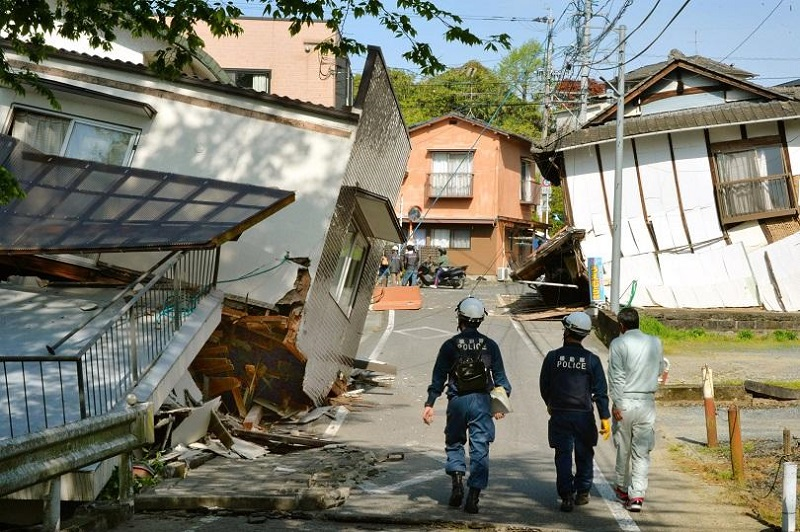 Девет души са загинали при земетресенията в Япония