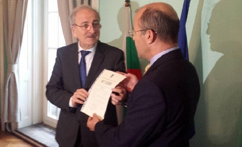 Кметът на Приморско с приз от посланика на Украйна