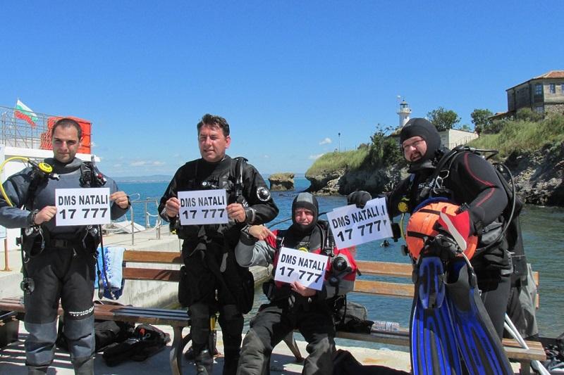 Тон отпадъци извадиха водолази от морето край Света Анастасия
