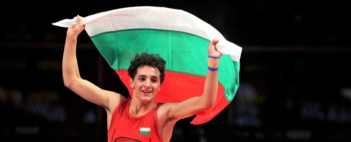 Бургаските борци се завърнаха с куп медали от държавното лично-отборно първенство