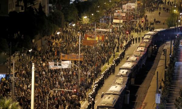 30 арестувани при безредици в Атина