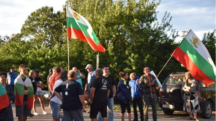 Пътят Сливен – Ямбол под блокада пети ден