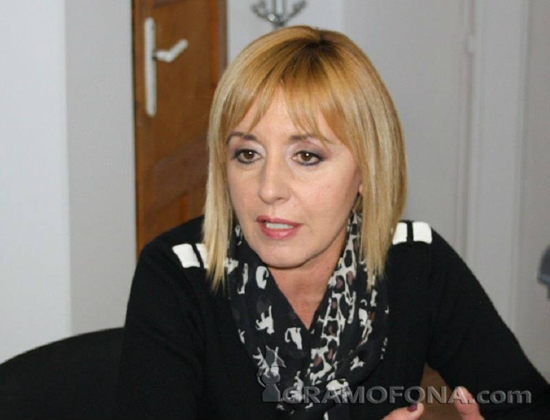 Мая Манолова: Кандидатирам се за кмет на София