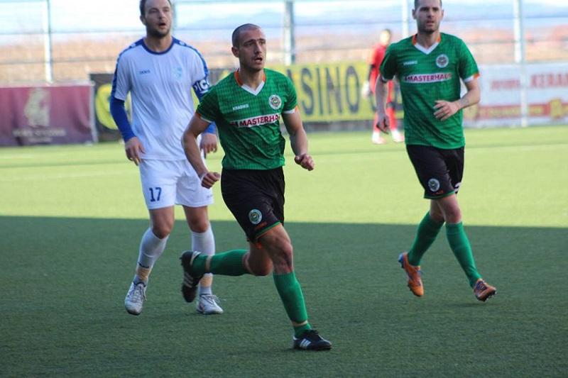 Двама футболисти на Нафтата пропускат гостуването на Верея