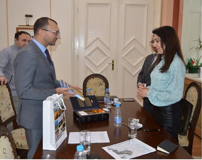 Областният управител Вълчо Чолаков посрещна в Бургас посланика на Азербайджан