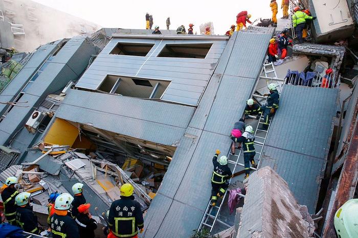 Жертви и разрушения след силно заметресение в Тайван