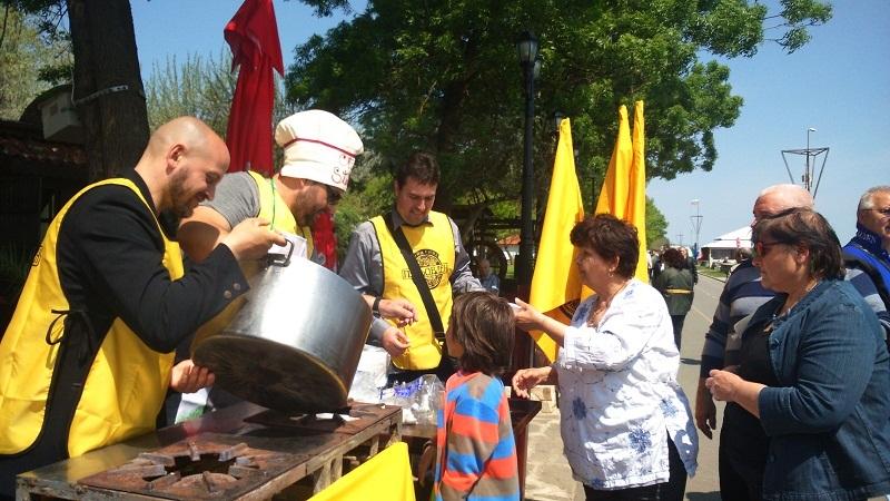 Традицията продължава: От Гергьовден пак раздават курбан за празника