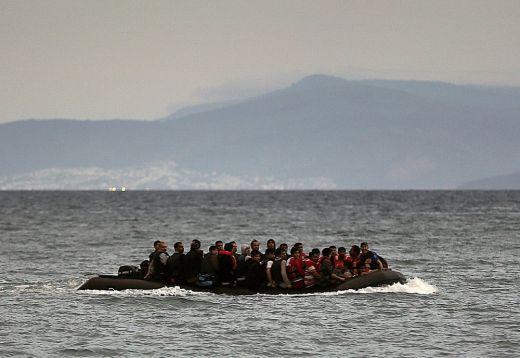 Удавени бежанци изплуваха край гръцки остров