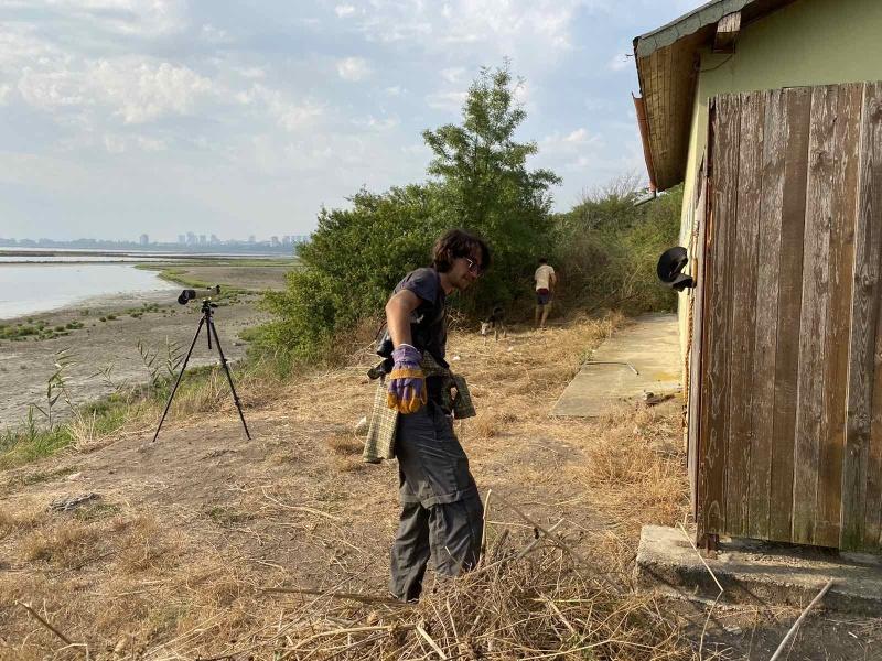 50 доброволци помагат на обитателите на Атанасовското езеро и Пода