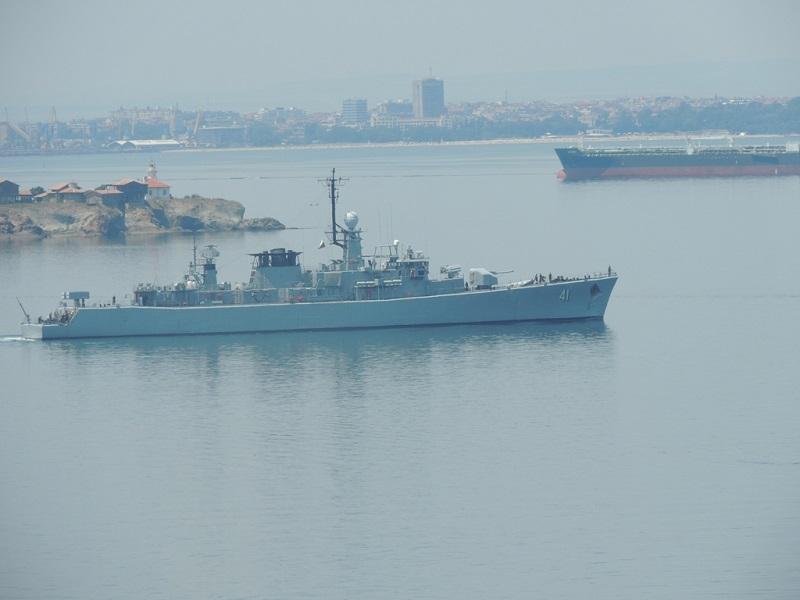 Корабите, участващи в учението БРИЗ, излязоха на море