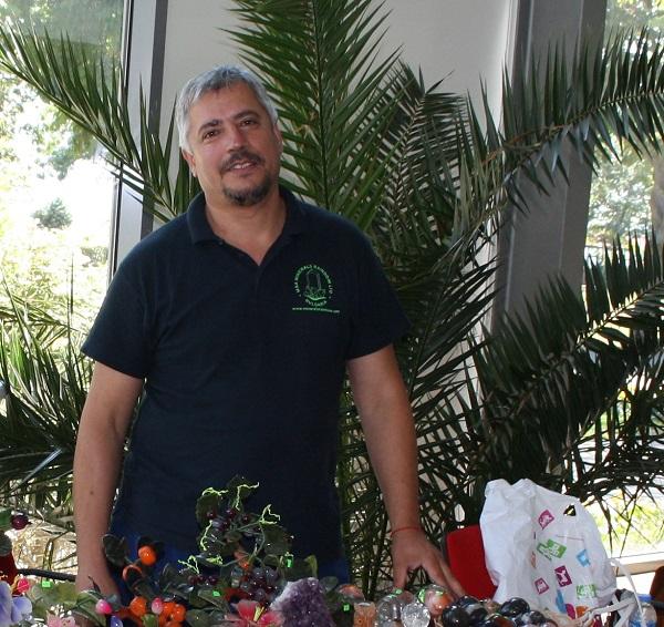 Руслан, за когото страстта към минералите се превърна в бизнес