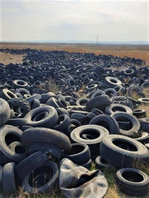 Две депа за гуми на нерегламентирани места