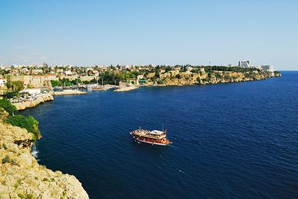 Русия забрани на туроператорите си да продават круизи до турски пристанища