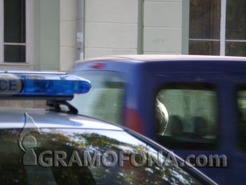 Двама заловени да приготвят метамфетамин до Гробищния парк