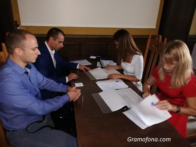 Живко Табаков пред ОИК в Бургас: Ще бъдем мнозинство в следващия местен парламент