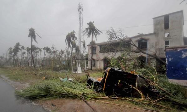 Циклонът Фани взе жертви в Индия