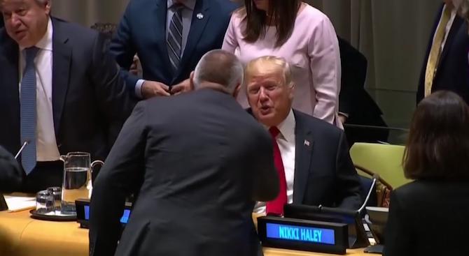 Бойко Борисов стисна здраво ръката на Тръмп