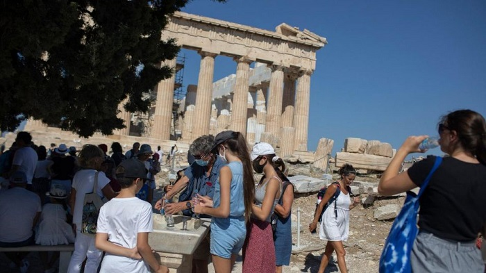 Гърция открива сезона в понеделник