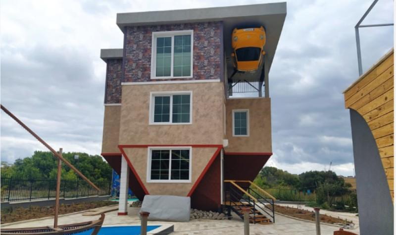 Обърнатата къща - най-новият атракцион край Бургас