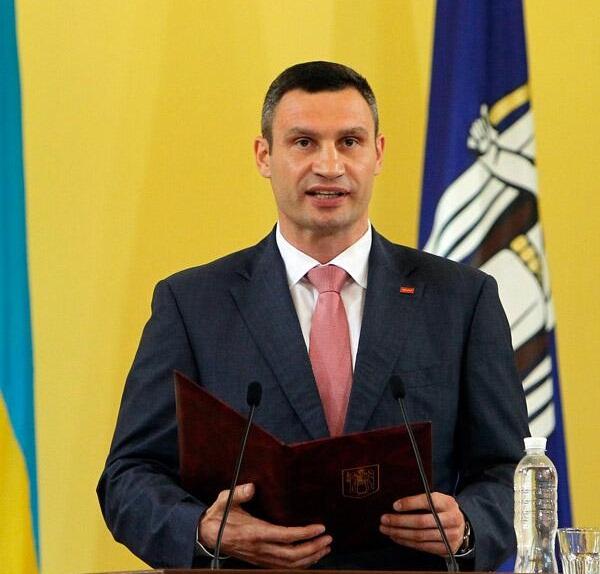 Кметът на Киев Виталий Кличко е с коронавирус преди местните избори