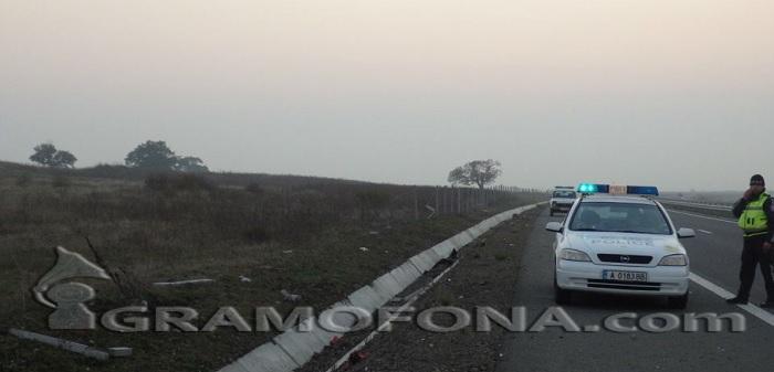 Камион в канавката на пътя от Ябълчево, по-късно днес районът около КПП – Руен ще бъде отцепен