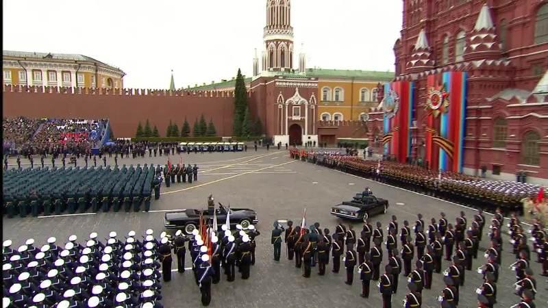 72-годишен сърбин тръгва пеша към Москва за парада за Деня на победата