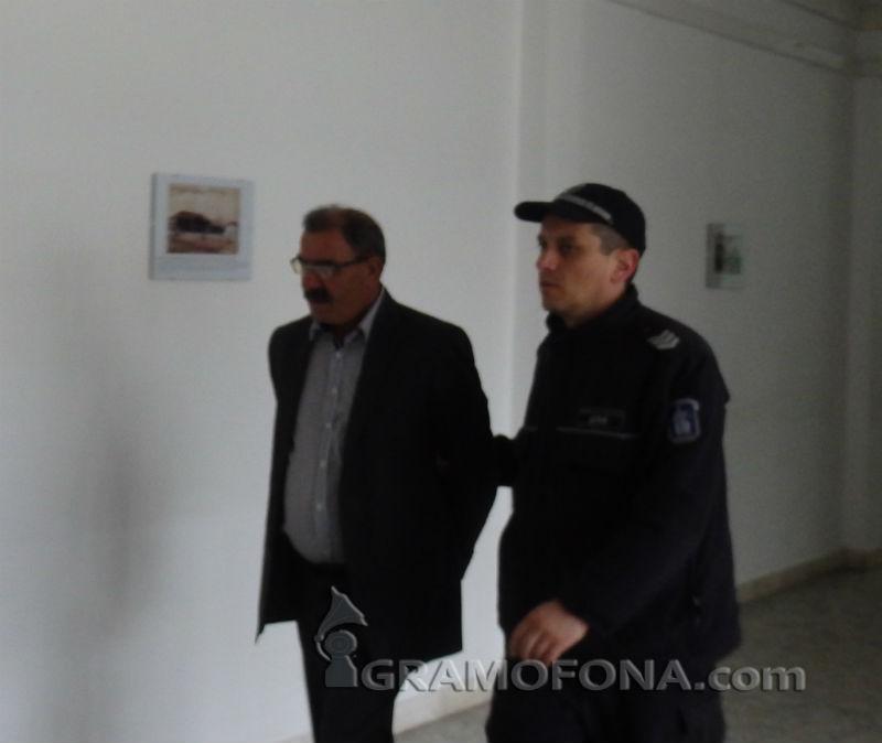 Защитната теза на Байрам с торбата патрони не издържа в съда