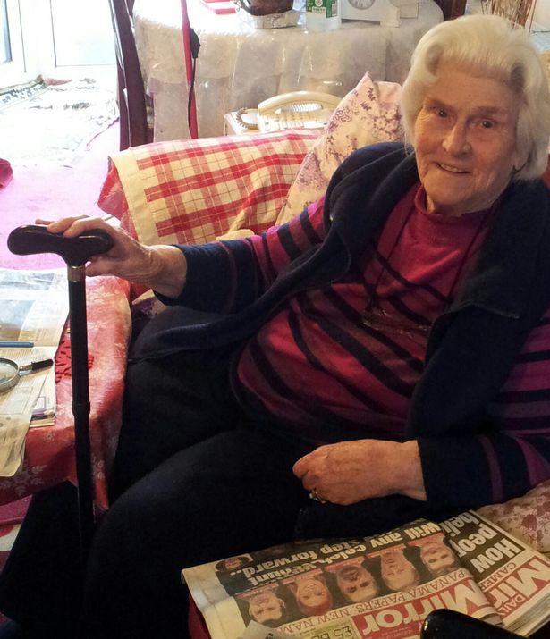 89-годишна баба преби крадец с бастуна си
