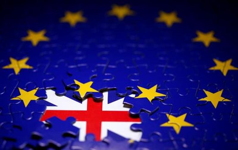 Борис Джонсън се съгласи да има евромита за британски стоки