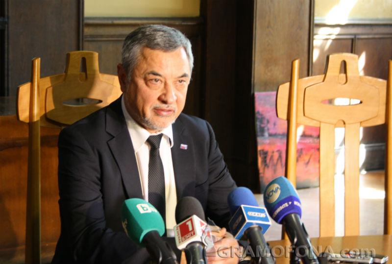 Валери Симеонов прати проверка на шефа на Административния съд, съмнявал се в почтеността му