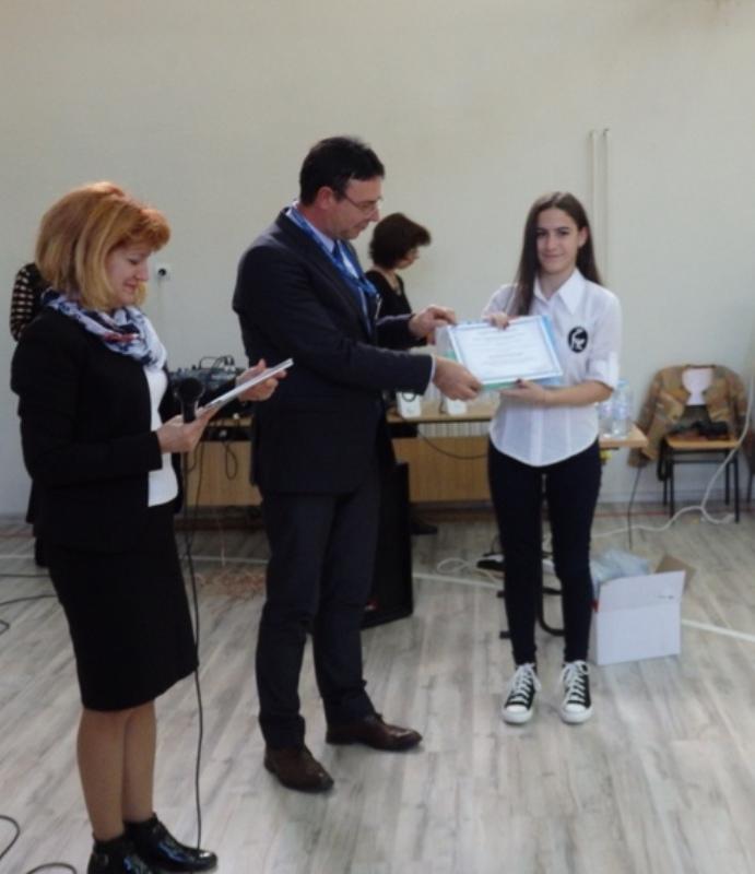 В Руската наградиха ученици за заслуги по английски