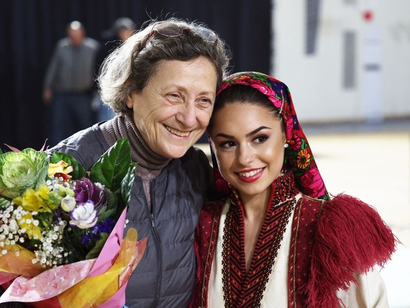 Над 100 таланти събира шоуто на Нешка Робева в Бургас