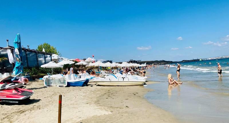 Две дами засипаха с ругатни спасителите на плажа в Крайморие
