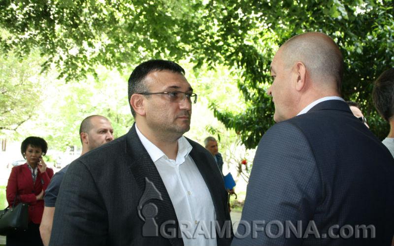 Радев освободи пътя на Младен Маринов към министерския пост