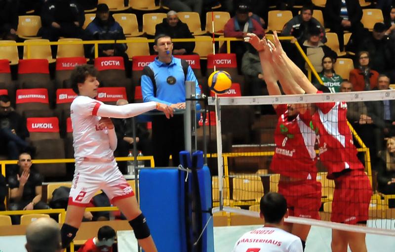 Волейболният Нефтохимик ще играе квалификации за ШЛ в Австрия