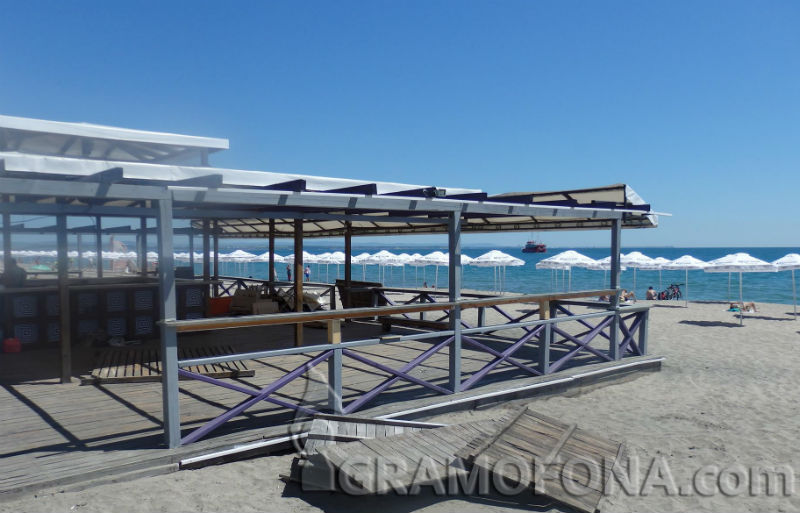 Собственици сами ще събарят капаните на Северния плаж, поискали им невъзможен наем